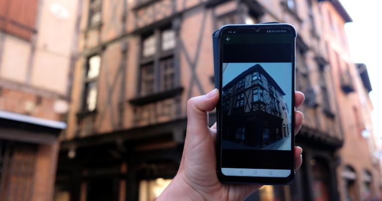 smartphone-jeu-de-piste-numerique-outdoor-etourisme